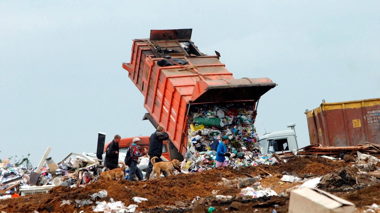 !Интересно а, куда же теперь поехала вереница мусорных камазов?